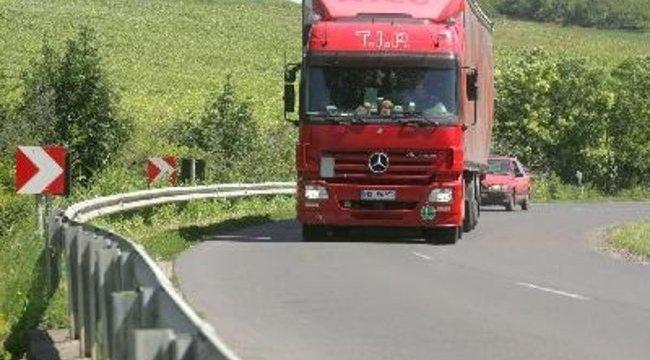 Maglódi baleset: Összeroppant a buszvezető is