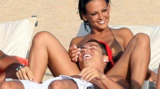Ronaldo sms-ben rúgta ki barátnőjét