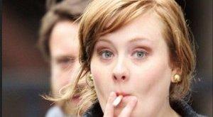 A dohányzás teheti tönkre Adele karrierjét