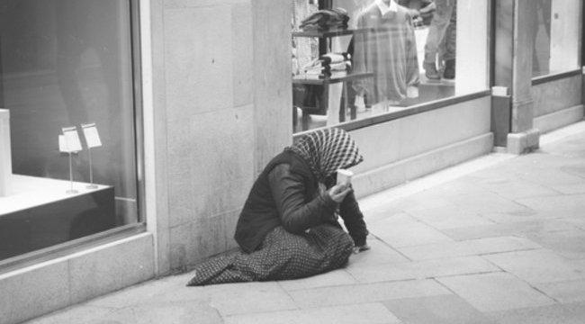 Szállásért kellett szexelnie a hajléktalannak
