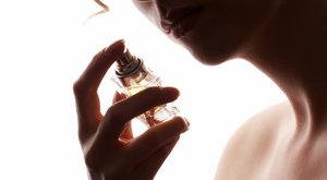 Valami bűzlik: parfümmel csaltak el kétmilliárdot