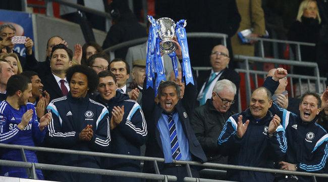 Kilencszáz nap után nyert trófeát José Mourinho