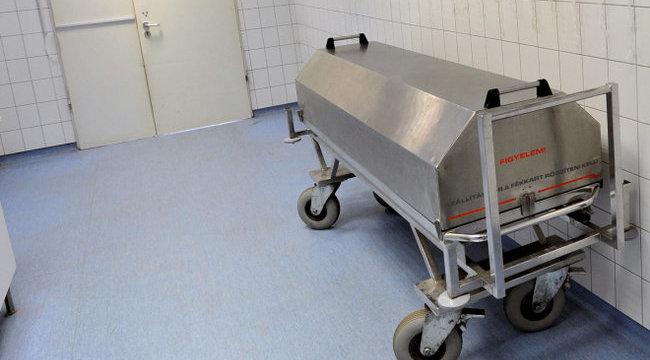 Részeg betegszállítók: az élőt vitték volna boncolni Berettyóújfalun