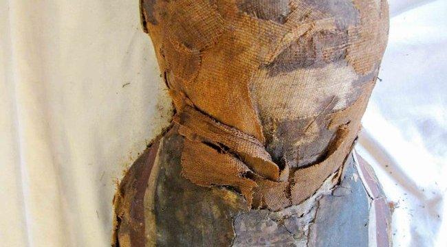 Kukából szedték ki az egyiptomi múmiát