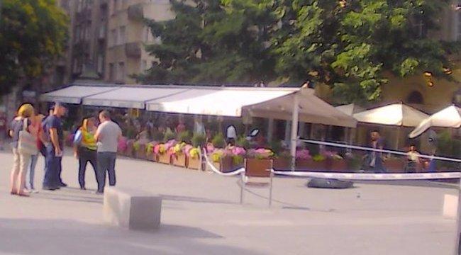 Holtan rogyott össze egy turista a Vásárcsarnoknál