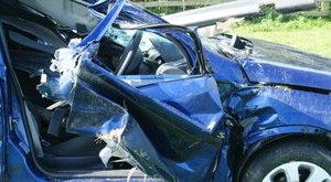Három napig nem mentek ki az autóbalesetező párhoz