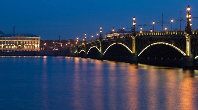 Édes titkaim - Szentpétervári éjszaka