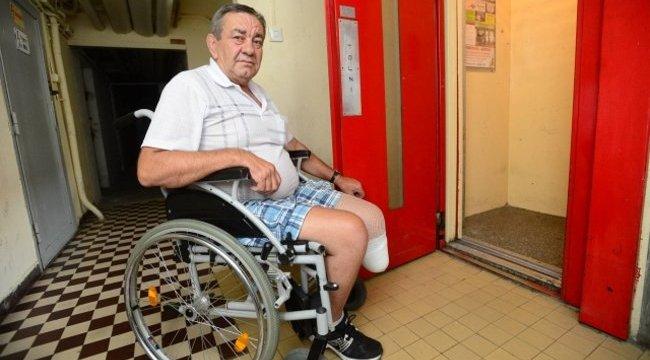 Rossz lift miatt történt borzalmas dolog a kerekesszékes győri férfival