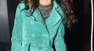 Két kézzel szórja a pénzt George Clooney csinos neje