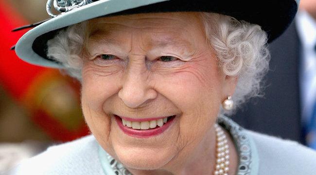 Mégiscsak jó anyós a királynő?