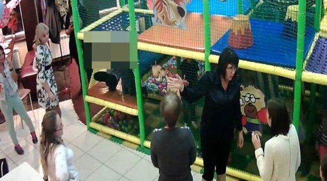 Cicaharcba csapott át a szülinapi zsúr - videó