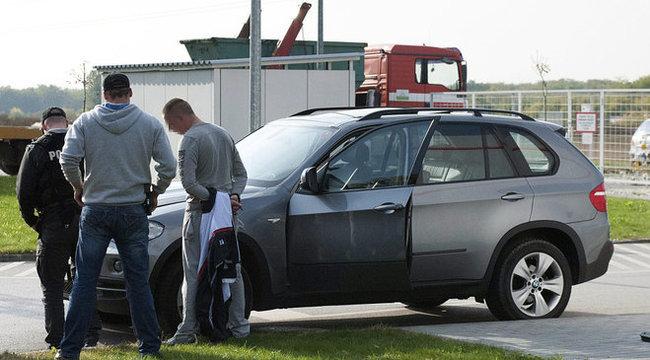Tévedésből bilincselték meg a fóti benzinkúton