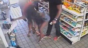 Fenekükkel próbálták kirabolni a férfit - videó