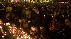 Így emlékeznek a magyarok a párizsi terrorra – fotók
