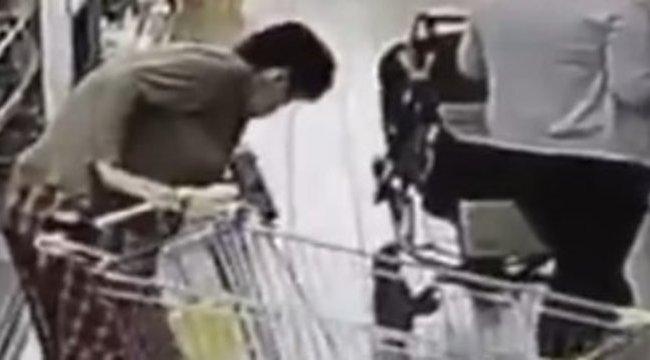 Undorító dolgot művelt a nő a hűtővel - videó