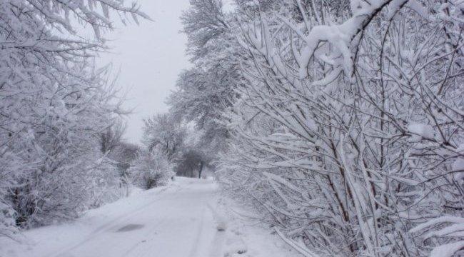 Cudar hideggel és havazással indul az új év