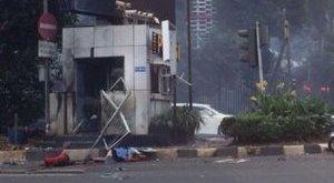 Terrortámadás Indonéziában, több halott