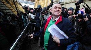 Mosolyogva hagyta el a börtönt Lagzi Lajcsi - fotók