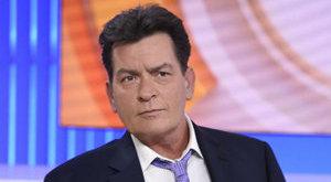 Megfertőzte magát Charlie Sheen vérével a kuruzsló