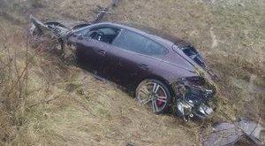 Vác: sokmilliós Porsche tört rommá - fotók