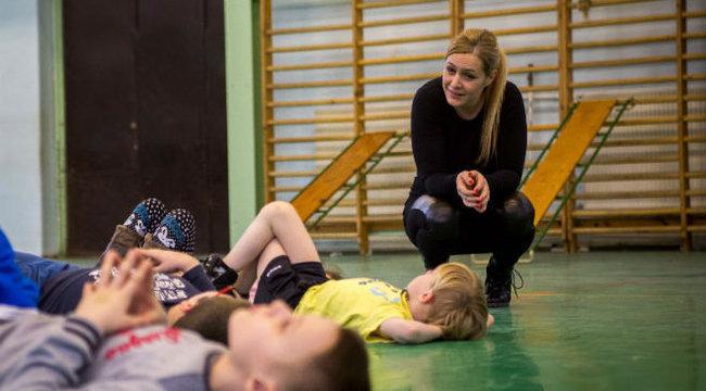 Hiperaktív gyerekeket fejleszt Nóra