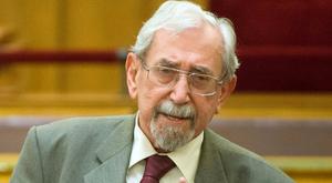 Mentő vitte el a Parlamentből a KDNP-s politikust
