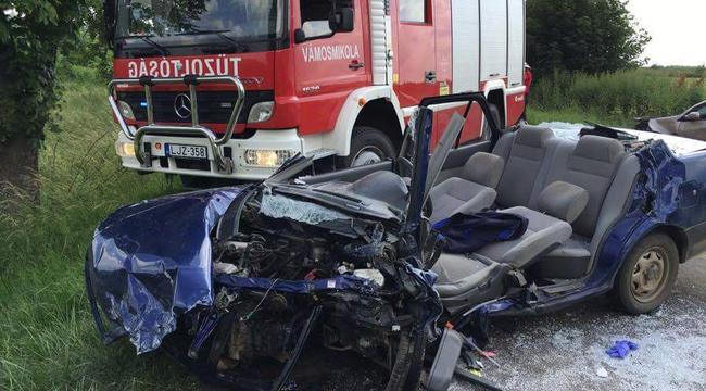 Súlyos baleset történt Pest megyében – helyszíni fotók