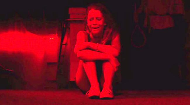 Horrorfilmmel sokkolta a hatodikosokat a tanár