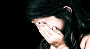 Harminc perc a pokolban - 13 éves lánykát zaklattak a repülőn