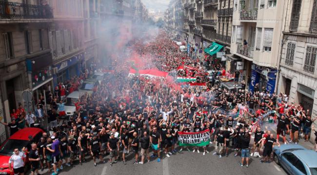 Letöltendőt kapott egy Marseille-ben balhézó magyar szurkoló