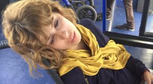 Eszméletét vesztette a reptéren Cinthya