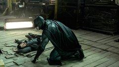Dílerekre vadászik a moszkvai Batman