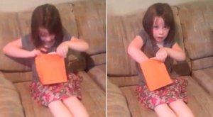 Így reagált a kislány, mikor megtudta öccse lesz