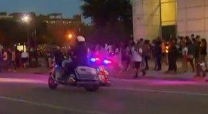 Több rendőr meghalt a dallasi tüntetésen kitört erőszakban