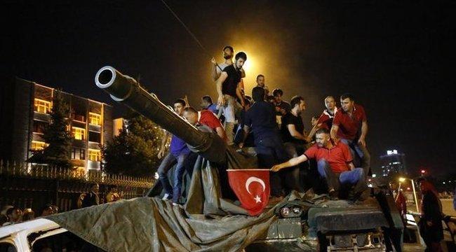 Már 194 halálos áldozata van a török puccskísérletnek