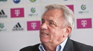 """""""Mindent a labdarúgásnak köszönhetek"""" – interjú a 75 éves legendával"""