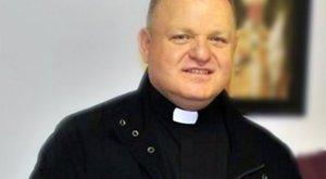 Eljátszotta a pap a menekülteknek gyűjtött 143 millió forintot