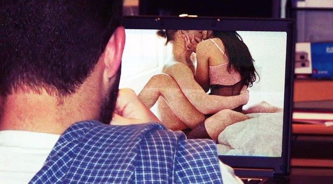 Íme a tökéletes módszer, hogy ne bukjon le pornónézés közben! videó