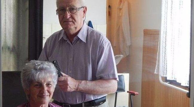 Féllábbal is hajat vág a 73 éves Lajos bácsi
