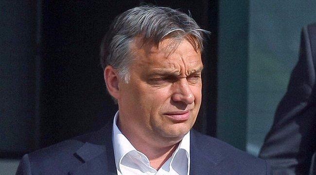 Amit még sosem látott: <b>így csókolózik Orbán Viktor</b>