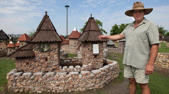 Várakat épít Nagy-Magyarországot formázó területén Zoltán