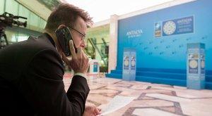 140 milliót telefonáltak el a minisztériumok munkatársai