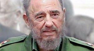 Ez aztán a születésnap: Castro 90 méterest kapott