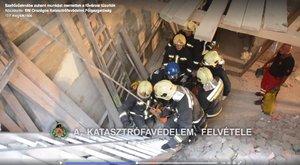 Szellőzőaknába zuhant munkást mentettek - videó