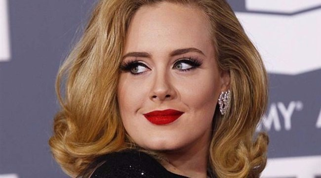 Adele smink nélkül: megmutatta magát az énekesnő - fotó