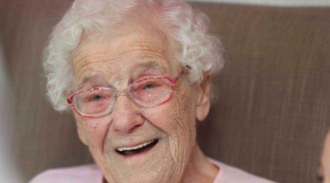 105 éves szülinapjára extra dolgot kért a néni