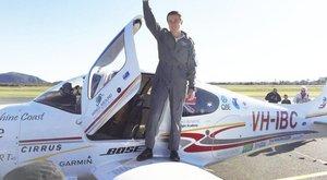 Teljesítmény: egyedül repülte körbe a Földet 18 évesen!