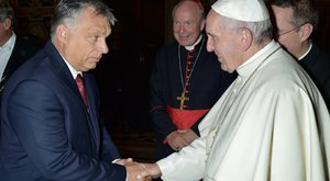 Vajon beszélgettek? Orbán Viktor találkozott Ferenc pápával