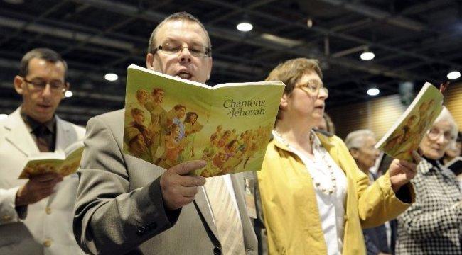 Tagadják a vádakat a Jehova Tanúi