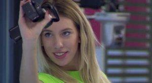 <b>ValóVilág:</b> Így nyúlt be a pucér Vivien Soma lába közé - videó